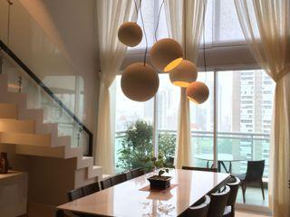 Elaine Hormann Architecture Dining roomLighting Aluminium/Zinc Beige