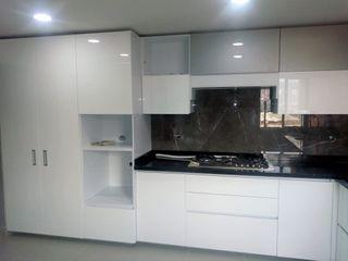COCINAS KITCHEN AND BATH KitchenStorage White