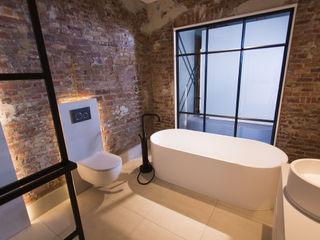 De Eerste Kamer Industrial style bathroom Metal Black