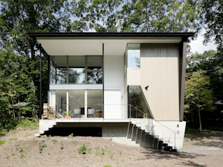 062m-houe in 軽井沢 atelier137 ARCHITECTURAL DESIGN OFFICE リゾートハウス 木 灰色