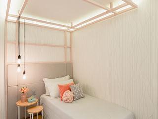 ZOMA Arquitetura Nursery/kid's roomBeds & cribs