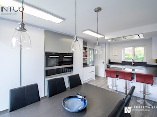 White/Grey/Red Intuo Modern style kitchen