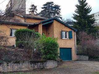 Renovation d'une maison IND Architecture Maison individuelle Pierre Rouge