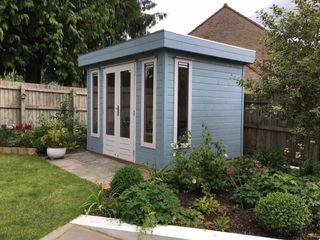 Garden Office Garden Affairs Ltd Modern study/office Wood