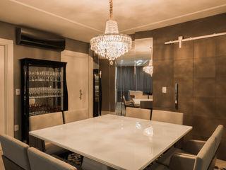 Residência Clean Élcio Bianchini Projetos Salas de jantar ecléticas