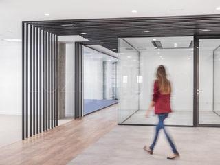 Oficina en Madrid Luzestudio - Fotografía de arquitectura e interiores Edificios de oficinas de estilo industrial