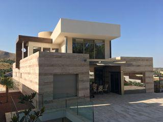 ANCA DYOV STUDIO Arquitectura. Concepto Passivhaus Mediterráneo. 653773806 Villas Mármol Marrón