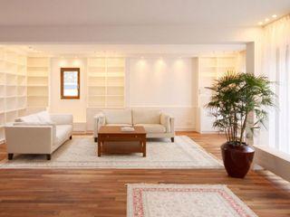 raumdeuter GbR Modern Oturma Odası Ahşap Beyaz