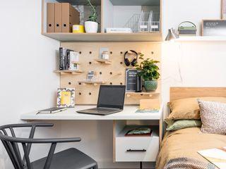 WN Interiors + WN Store Moderne Arbeitszimmer Weiß