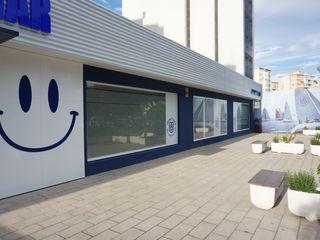 Diseño de Clínica de odontología en Alicante Tono Lledó Estudio de Interiorismo en Alicante Clínicas de estilo moderno Vidrio Azul