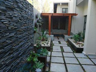 Young Landscape Design Studio Giardino moderno