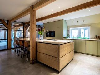 ÈMCÉ interior architecture Built-in kitchens Wood Green