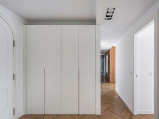 amBau Gestion y Proyectos Moderne Ankleidezimmer