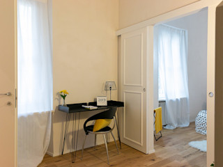 CASA SU DUE PIANI IN PRECOLLINA con3studio Studio minimalista