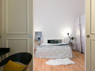 CASA SU DUE PIANI IN PRECOLLINA con3studio Camera da letto minimalista