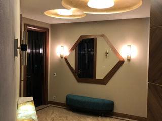 """Апартаменты в ЖК """"Алые паруса"""" АРХИТКЕТУРНОЕ БЮРО 'IKRA-DESIGN' Коридор, прихожая и лестница в стиле минимализм"""