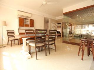 Saloni Narayankar Interiors Dining roomChairs & benches Kayu Beige