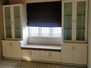 Saloni Narayankar Interiors Study/officeStorage Kayu Lapis Brown