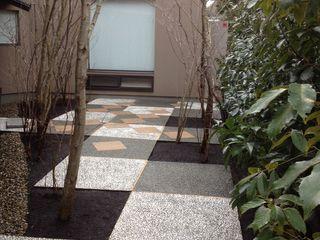 庭 遊庵 Taman Modern
