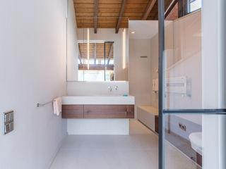 Chiemsee Vivante Klassische Badezimmer Beige