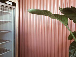 Rafaela Fraga Brás Design de Interiores & Homestyling Khu Thương mại Nhôm / Kẽm Red