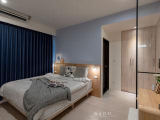 沉浸在沁涼悠閒的美好日常,森林與海洋共存的度假型住宅! | 訂製布紗簾 MSBT 幔室布緹 小臥室 木頭 Blue