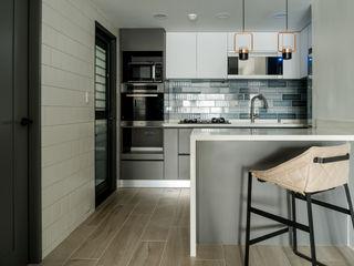 耀昀創意設計有限公司/Alfonso Ideas Scandinavian style kitchen