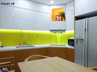 HOÀN THIỆN THI CÔNG NỘI THẤT NHÀ PHỐ NHỎ, ĐƠN GIẢN - ANH GIANG (Q.1) Công ty Cổ Phần Nội Thất Mạnh Hệ Tủ bếp