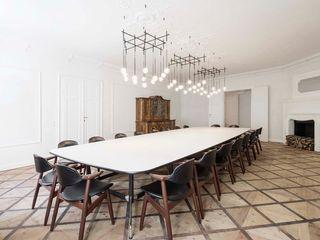 destilat Design Studio GmbH Minimalist dining room
