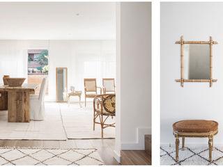 096. ECLECTICISM IN WHITE Abrils Studio Pasillos, vestíbulos y escaleras de estilo colonial