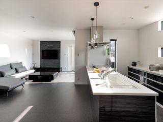 ナイトウタカシ建築設計事務所 Modern Living Room Black