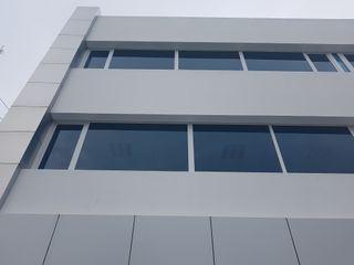 Ventanamex Bangunan Kantor Modern Plastik White