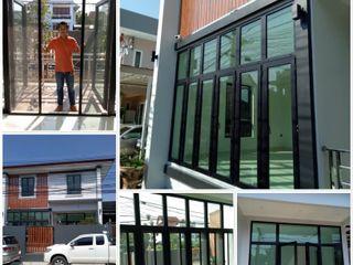 ร้าน ชัยดล ยูพีวีซี พัทยา ประตู - หน้าต่าง upvc Fenêtres & PortesPortes Plastique Noir