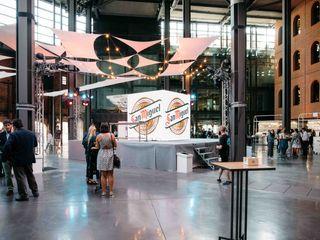 Bilbokatessen Hiruki studio Pasillos, vestíbulos y escaleras de estilo industrial
