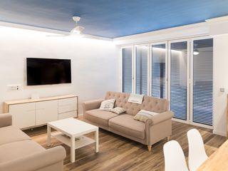 Bagés arquitectura&construcció Ruang Keluarga Modern