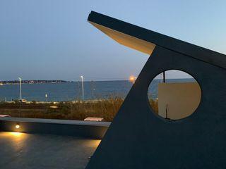 ibedi laboratorio di architettura Modern Terrace Solid Wood Amber/Gold