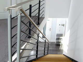 STREGER Massivholztreppen GmbH Modern Corridor, Hallway and Staircase Wood
