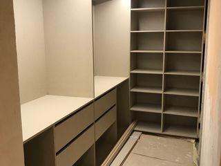 Fabricación y instalación de vestidor abierto con iluminacion led Fendy Design DormitoriosArmarios y cómodas