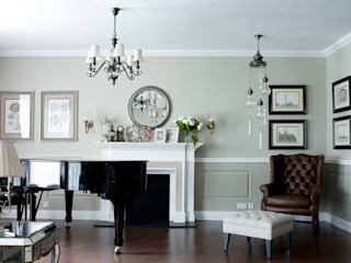 Georgian home –All about graceful details, timeless and elegant simplicity…. JC Vision Classic style living room Wood Grey