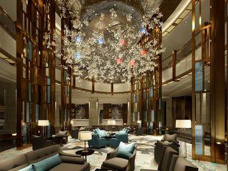 John Chan Design Ltd Гостиницы в стиле модерн Янтарный / Золотой