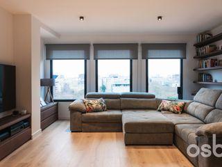osb arquitectos Ruang Keluarga Modern Multicolored