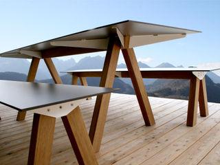 Pool22_A-Fuss-Garnitur für draussen und drinnen Pool22.Design GartenMöbel Holz Grau