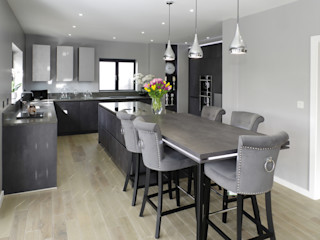 Concrete Graphite kitchen with secret doors PTC Kitchens Кухня Сірий