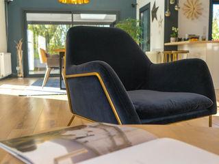 ESPACE DE VIE FAMILIAL CHALEUREUX MISS IN SITU Clémence JEANJAN Salon moderne Bois Bleu