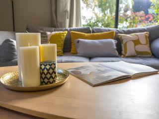 ESPACE DE VIE FAMILIAL CHALEUREUX MISS IN SITU Clémence JEANJAN Salon moderne Bois Effet bois