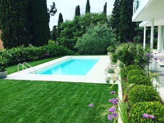 Giardino Moderno Gardone Riviera CSC CASERTA GIARDINI Giardino in stile mediterraneo