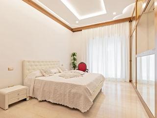 Casa vacanze Aurora - 90 MQ Dr-Z Architects Camera da letto in stile classico Marmo Bianco