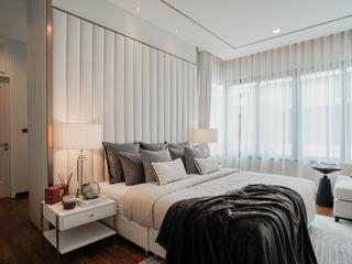 Blue and White bedroom show house The pavilla residence - hypestudio Hypestudio ห้องนอนขนาดเล็ก ไม้ White