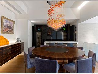 Jason Caroline Design Limited Modern dining room Wood Black