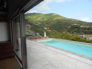 Serramenti nuovi per una villa con vista Opendoor Italia Finestre in PVC Bianco